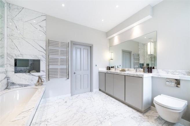 Quarrendon Street London SW6 Bathroom Statuaria tiles and slabs1